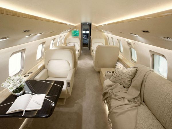 Large jet 2