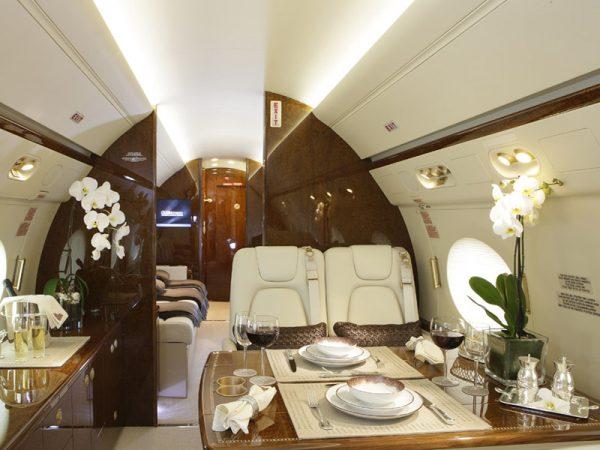 Large jet 6