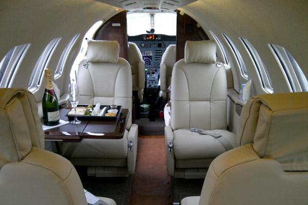 prive jet huren luxe priv jet verhuur first class aviation. Black Bedroom Furniture Sets. Home Design Ideas